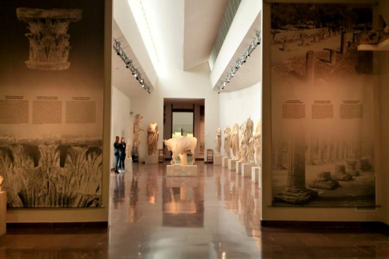 Olympia_archaelogical_museum_Greece